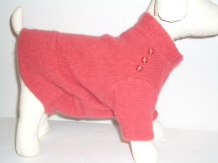 DeReDogs sweater