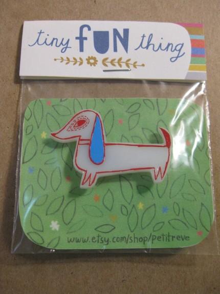 Petite Reve dachshund pin